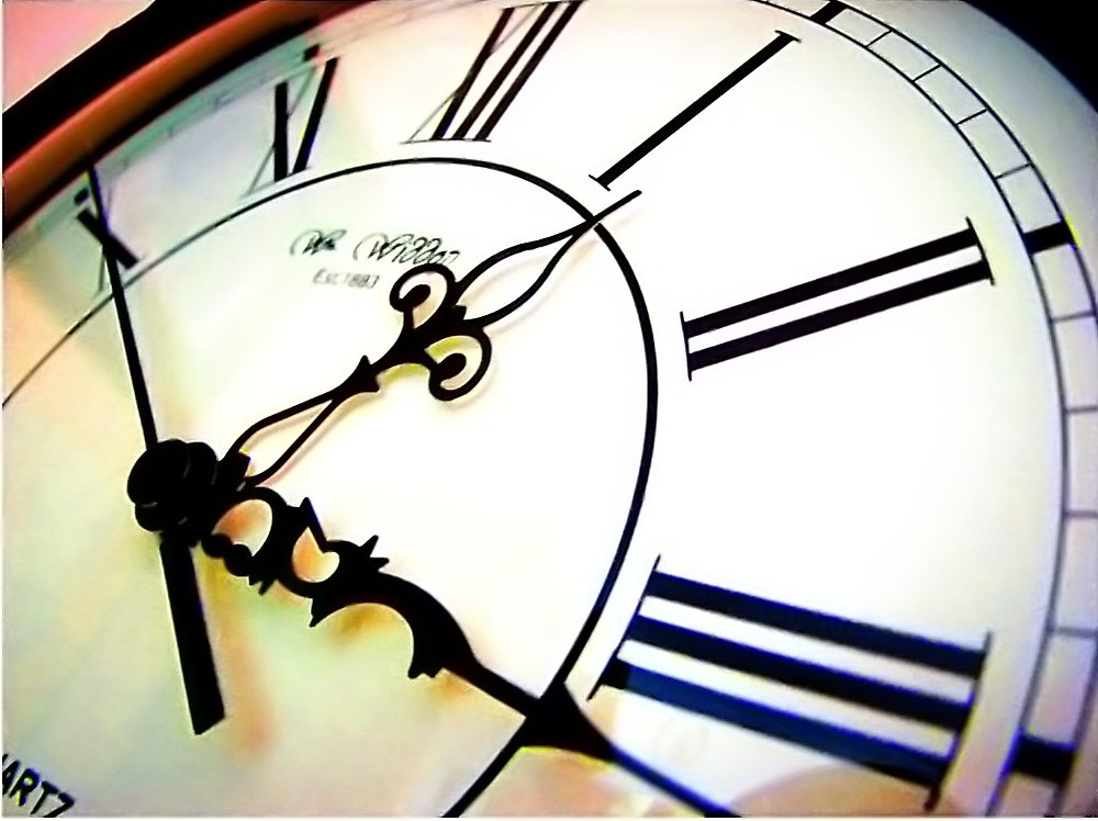 Clock by numbpurplehaze@DeviantArt